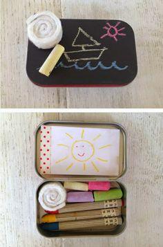 Juguete de viaje pizarra DIY hecho con una cajita de caramelos