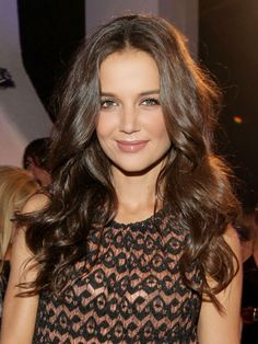 Katie Holmes - Best Brunette Hair Color (love her hair color) Medium Brown Hair Color, Brown Hair Colors, Hair Colour, Katie Holmes, Brilliant Brunette, Chocolate Brown Hair, Mocha Brown Hair, Chocolate Highlights, Chocolate Color