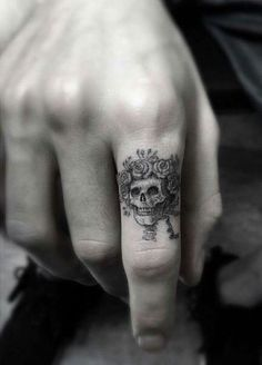 Cool finger tat