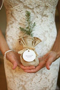 Elegant wedding favors, spring fall rustic wedding ideas, DIY wedding gifts for guests Winter Wedding Favors, Creative Wedding Favors, Inexpensive Wedding Favors, Rustic Wedding Favors, Wedding Favors For Guests, Wedding Gifts, Wedding Decorations, Wedding Day, Wedding Ceremony