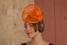 """Fascinator """"Orange"""" - In Sisal su cerchietto foderato in Raso in tinta"""