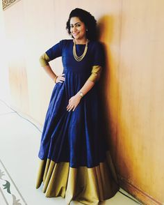 *midnightblue* Midnight blue rawsilk gown with antique gold borderInnovative Ideas to make long gown dresses from old saree - Kurti Outfits You Can Easily Create From Your Mom's Old Silk Sarees . of her sarees and wear them as an outfit that Indian Designer Outfits, Indian Outfits, Designer Dresses, Saree Gown, Anarkali Dress, Lehenga, Sarees, Mode Bollywood, Long Gown Dress
