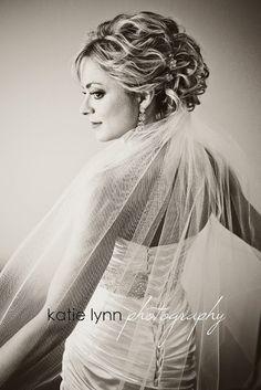 Gorgeous bridal updo :) AJohnson Designs Blog