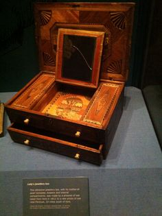 Box made by prisoners in Edinburgh Castle c18c