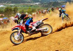 Dominicano Durán gana duelo a costarricense Motocross de las Alturas en Constanza