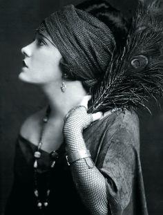 Gloria Swanson by Edward Steichen 1924 Vanity Fair