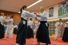 Gemeinsames Aikido Weihnachtstraining der OÖ Aikidovereine 2019 am Freitag, 20 Dezember 2019 in der Auhofschule in Linz. Kokyonage Aikido, Prom Dresses, Formal Dresses, Dojo, Training, Linz, Wels, December, Friday