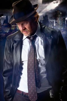 Here is a first look at a member of the Batman DC universe from Fox's Batman prequel series Gotham. Warner Bros TV has released this image of Donal Logue as Gotham City Police Detective Harvey Bullock. Harvey Bullock, Bullock Gotham, Dc Movies, Movie Tv, Batman, Detective, James Gordon, Gotham Characters, Gotham Tv Series