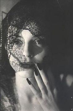 zzzze:  Jacques Henri Lartigue, Florette, Paris,1944