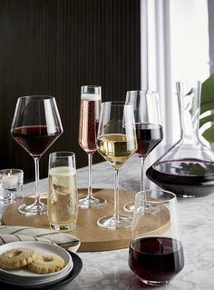 A new angle in stemware from Schott Zwiesel creates an edgy silhouette with exquisite brilliance and clarity. Made of break-, chip- and scratch-resistant Tritan glass, each wine glass exhibits the same exquisite brilliance and clarity as hand-blown crystal.