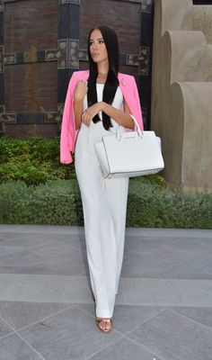 Pink And White Chic Outfit - Laura Badura Fashion and Michel Kors Bag White Outfits, Cool Outfits, Casual Outfits, Passion For Fashion, Love Fashion, Womens Fashion, Fashion Design, Fashion Beauty, Laura Badura