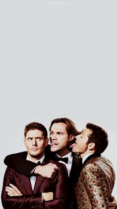 Supernatural is one of those rare TV shows that fans never have to worry about being cancelled. Supernatural Facts, Supernatural Bloopers, Supernatural Tattoo, Supernatural Pictures, Supernatural Imagines, Supernatural Disney, Sam E Dean Winchester, Winchester Supernatural, Destiel