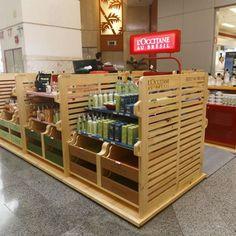 Marcelo Rosenbaum inaugura quiosque em shopping de SP