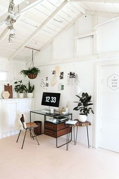 More greenery ..  Interior Design / desk set: the decorating dozen / sfgirlbybay