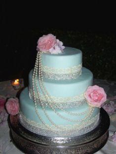 Tiffany wedding cake! with fresh Flowers!Florence, Tuscany, Italy. http://www.weddingcakesintuscany.com/