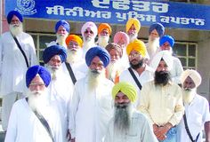 Sikh Kathavachak arrested by Bathinda police for promoting Sikh tenets; Sikhs outraged - http://www.sikhsiyasat.net/2013/09/03/sikh-kathavachak-arrested-by-bathinda-police-for-promoting-sikh-tenets-sikhs-outraged/