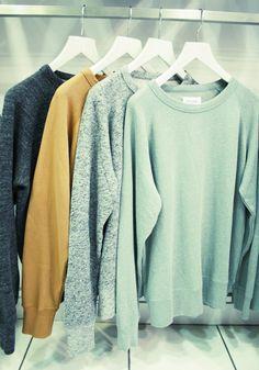I'm really loving comfy sweatshirts this year :p