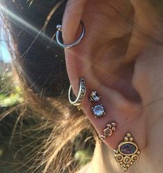 Imagem de piercing, earrings, and ear