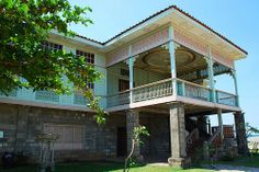 Casa Lubao.  Las Casas Filipinas de Acuzar. Filipino Architecture, Bataan, Philippines Travel, Ideas Para, Sims, Mansions, House Styles, Modern, Home Decor