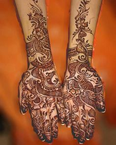 Indian Bridal Henna- I love the delicate wispy lines