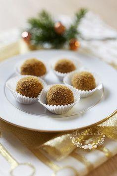 Vynikající vánoční cukroví Small Desserts, Sweet Desserts, Sweet Recipes, Christmas Sweets, Christmas Candy, Christmas Cookies, How Sweet Eats, Mini Cupcakes, Healthy Cooking