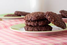 5 Ingredient Chewy Chocolate Coconut Cookies. #food