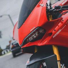 Ducati 1299 Ducati Motorbike, Motorcycle Dirt Bike, Moto Bike, Racing Motorcycles, Motorcycle Outfit, Motorcycle Design, Yamaha, Super Bikes, Ducati 1299 Panigale