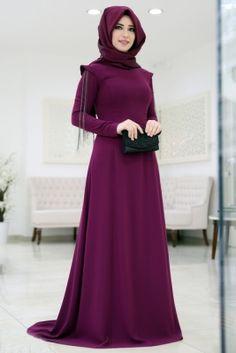 Som Fashion Mürdüm Zincirli Tesettür Abiye Elbise Hijab Abaya, Hijab Dress, Islamic Fashion, Muslim Fashion, Abaya Fashion, Fashion Dresses, Simple Hijab, Hijab Style, Muslim Dress
