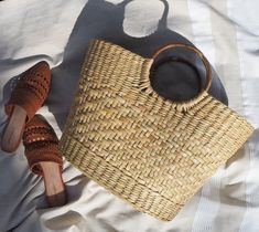 Hippie Vibes, Straw Tote, Unique Shoes, Handmade Accessories, Large Tote, Running Women, Purses And Handbags, Bamboo, Hand Weaving