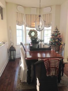 Cottage Christmas, Cottage Homes, Dining Rooms, Seaside, Kitchen, Home Decor, Cooking, Homemade Home Decor, Lunch Room