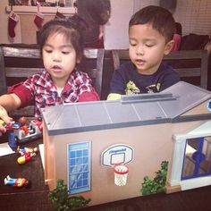 Using their imagination #playmobil #school #toys #toddlers #cuzzos