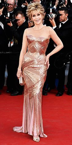 JANE FONDA in Versace....ummm she is 72 and looks sexier than some of the regulars on the Red Carpet.