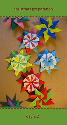 Kalami: November 2010 Origami Modular, Origami Folding, Paper Folding, Origami Paper, Origami Stars, Origami Flowers, Paper Flowers, Christmas Origami, Christmas Fun