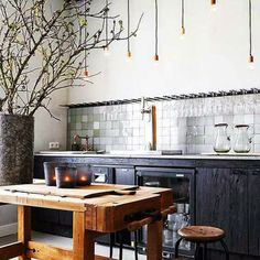 Industrial house decor awesome industrial kitchen ideas with modern decor plan Kitchen Interior, New Kitchen, Kitchen Dining, Kitchen Decor, Kitchen Island, Wooden Kitchen, Kitchen Ideas, Kitchen Black, Kitchen Rustic