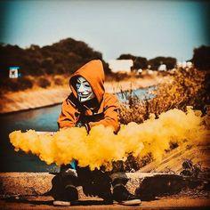 Smoke Photography, Tumblr Photography, Amazing Photography, Gas Mask Art, Masks Art, Attitude Shayari For Boys, Joker Photos, Anonymous Mask, Cool Photos