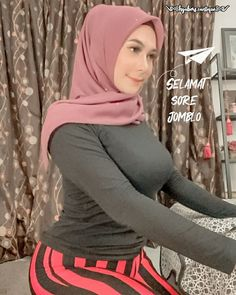 Beautiful Hijab, Beautiful Asian Women, Curvy Women Fashion, Womens Fashion, Indonesian Girls, Hijab Chic, Girl Hijab, Muslim Girls, Mode Hijab