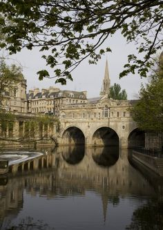The beautiful castle of Bath. England I was there...you could feel the roman ghosts from the past,,it was truely amazing!