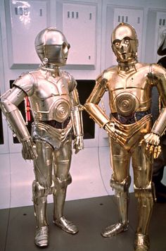 this shot is not in the film - Wendy Leech and Anthony Daniels - in the film Wendy walks up the corridor just behind C3PO and R2D2