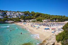 I løpet av denne måneden bestilles det nærmere 70.000 pakkereiser. Men hvis du kunne tenke deg sommerferie i sjarmerende Hellas, vakre Montenegro, eller på Maldivene eller Bali, bør du ikke vente for lenge, mener reiseekspertene i Ving.