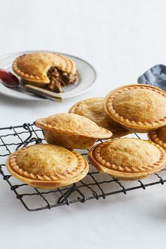 Party food and footy favourite meat pies get the Kmart pie maker treatment and they're easier than ever. Mini Pie Recipes, Mince Recipes, Cooking Recipes, Curry Recipes, Bread Recipes, Savory Pastry, Savory Tart, Breville Pie Maker, Beef Pies