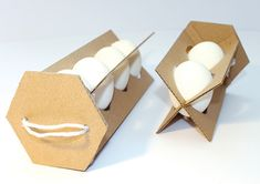 Egg box design incorporating eggs, recipes and other ingredients Packaging Nets, Egg Packaging, Packaging Design, Simple Cafe, Vegetable Packaging, Diy Cardboard Furniture, Crate Decor, Driftwood Sculpture, Bottle Holders