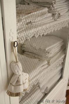 Best bed linens for your home Linen Cupboard, Linen Storage, Lavender Sachets, Linens And Lace, Home Repairs, Refurbished Furniture, Shaby Chic, White Decor, Country Chic