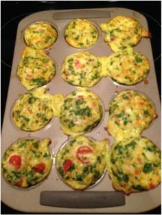 21 Day Fix Approved Egg Muffins! 1 red, 1 green, 1 blue (if you add feta!) = 2 muffins/serving