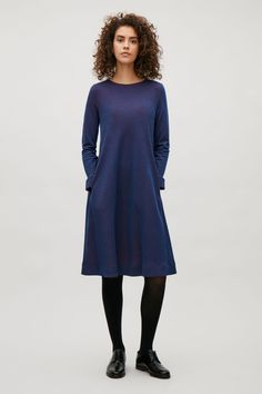 COS Long sleeve A-line dress in Midnight Blue Stylish casual minimalist outfit Cos Fashion, Minimal Fashion, Fashion Outfits, Fashion Black, Fashion Ideas, Fashion Inspiration, Stylish Work Outfits, Simple Outfits, Modest Dresses