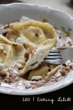 Goat cheese ravioli and chestnut cream soup - Ingredients for 4 people (. Love Eat, I Love Food, Vegetarian Recipes, Healthy Recipes, Quiche, Wonderful Recipe, Greens Recipe, No Cook Meals, Cooking Time