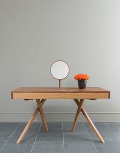 meuble coiffeuse original: console vintage à pieds compas avec miroir rond