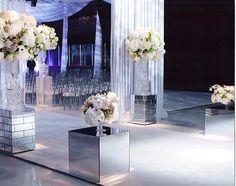 Mirrors theme for a wedding magician and dreamer Wedding Reception Design, Wedding Ideas, Wedding Receptions, Wedding Themes, Elegant Wedding, Wedding Ceremony, Wedding Magician, Ice Crafts, Frozen Wedding