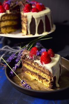 St[v]ory z kuchyne | Piškótová torta s parížskou šlahačkou a jahodami