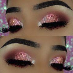 Pink Glitter Eye Makeup Look for New Year's Eve #creativemakeuplooks #GlitterMaquillaje