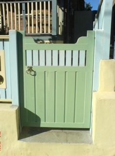 Guide to building doors and gates - Plans for fence building